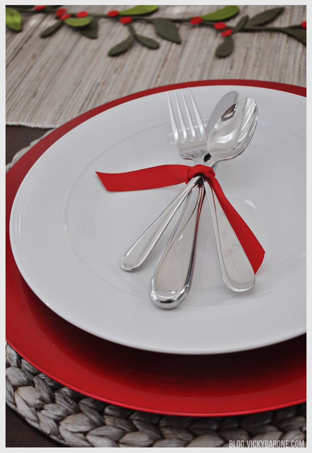 Simple christmas table setting vicky barone - Simple christmas table settings ...