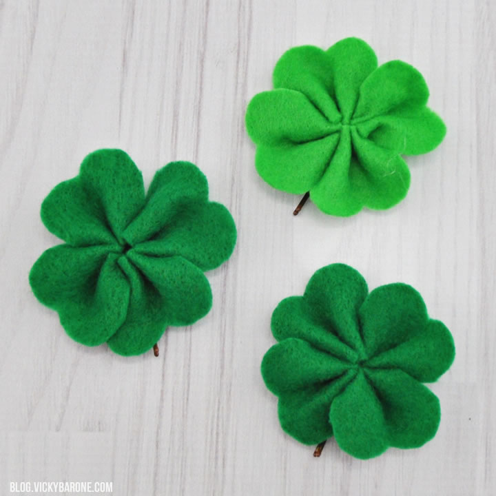 DIY Felt Shamrocks for St. Patrick's Day Wreath | Vicky Barone