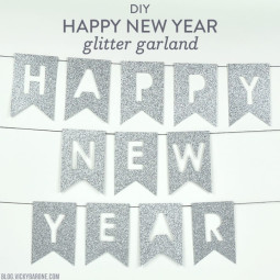 DIY Happy New Year Glitter Garland