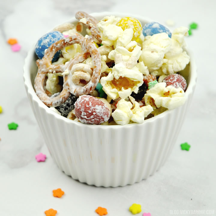 Easter Snack Mix | Vicky Barone